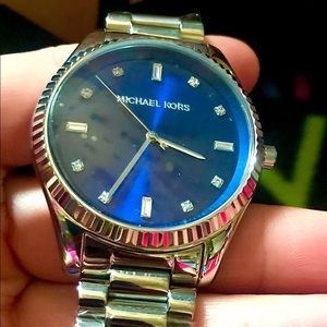 Like New Michael Kors Silver Unisex Watch